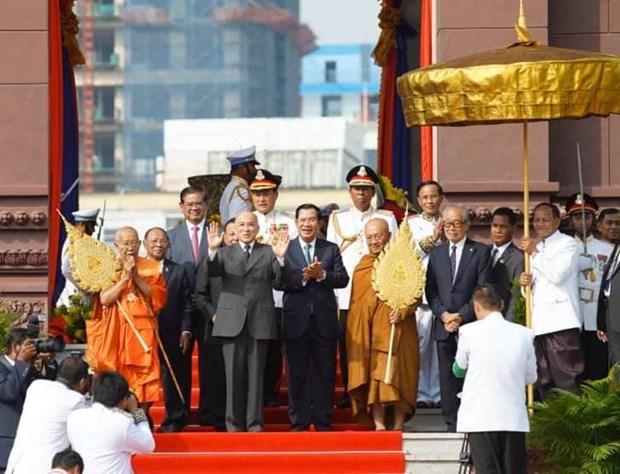 Thu do Campuchia va cac tuyen bien gioi yen binh trong ngay Quoc khanh hinh anh 2
