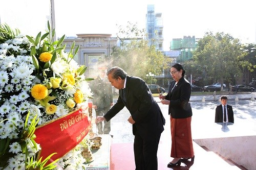 Pho Thu tuong Truong Hoa Binh gap lanh dao cap cao Campuchia hinh anh 3