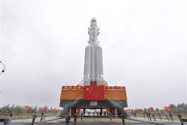 Trung Quoc phong ten lua Truong Chinh-5 mang ve tinh vien thong hinh anh 1