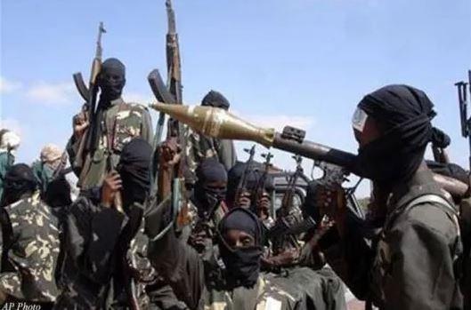 Phien quan Al-Shabaab tan cong mot truong hoc o Kenya hinh anh 1
