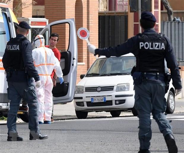 Italy: So ca nhiem SARS-CoV-2 tang manh, Nga cu quan doi toi ho tro hinh anh 2