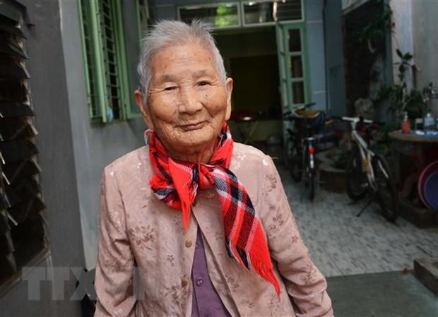 Xuc dong Me Viet Nam Anh hung ung ho tien phong, chong dich COVID-19 hinh anh 1