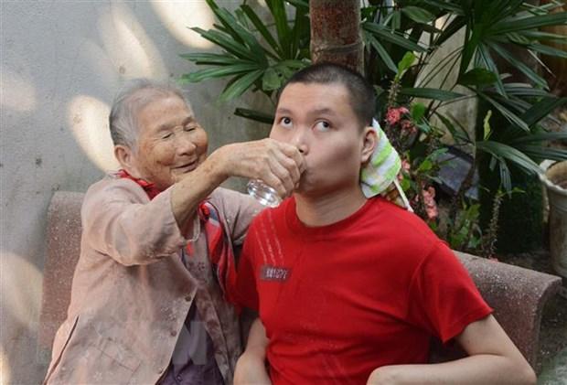 Xuc dong Me Viet Nam Anh hung ung ho tien phong, chong dich COVID-19 hinh anh 2