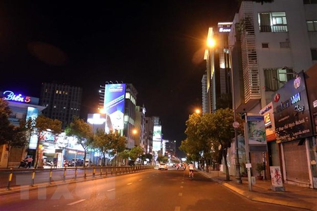 Uy ban Nhan dan TP.HCM bac tin don phong toa toan bo Thanh pho hinh anh 2