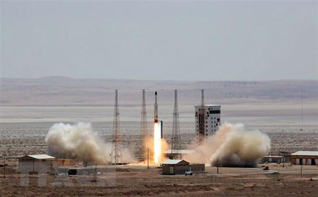 Israel keu goi trung phat Iran ve vu phong ve tinh quan su hinh anh 1