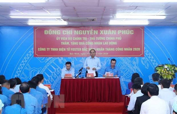 Thu tuong doi thoai voi cong nhan va lam viec voi lanh dao Bac Ninh hinh anh 2