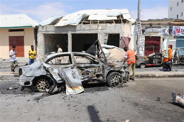 Somalia: Danh bom xe lieu chet tai bot canh sat o cang Mogadishu hinh anh 1
