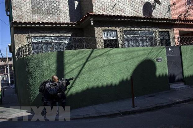Brazil: Hang chuc tu nhan cuc ky nguy hiem vuot nguc hinh anh 1