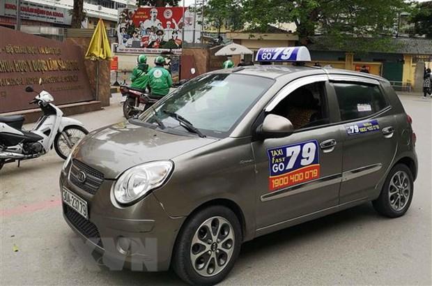 Taxi bi cam luu thong mot chieu tren pho Phu Doan tu ngay 16/7 hinh anh 1