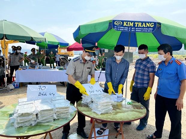 Quang Ninh tien hanh tieu huy 100 banh heroin tang vat vu an hinh anh 1