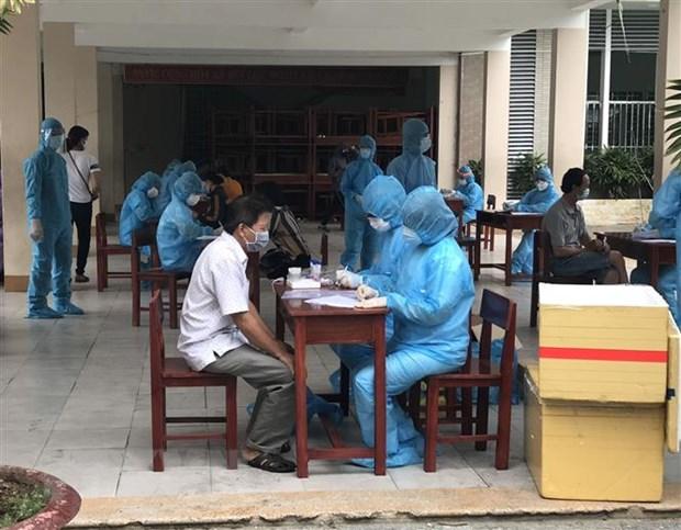 Xet nghiem gan 3.000 nguoi trong khu vuc phong toa tai Da Nang hinh anh 1