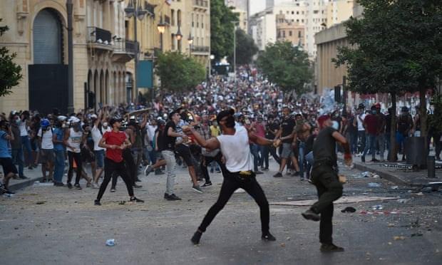 Liban: Nguoi bieu tinh co xong vao cac toa nha co quan cong quyen hinh anh 1