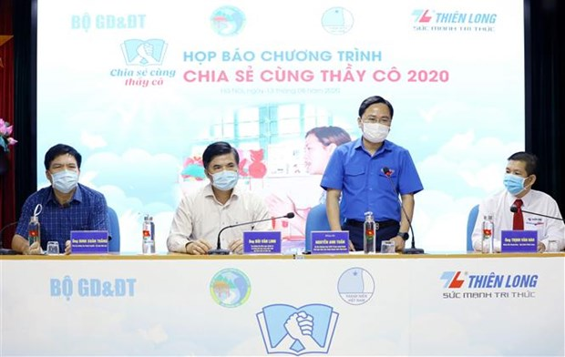 Phat dong chuong trinh Chia se cung thay co nam 2020 hinh anh 1