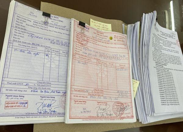Thanh Hoa: Bat giu ba doi tuong mua ban hoa don gia tri gia tang hinh anh 1