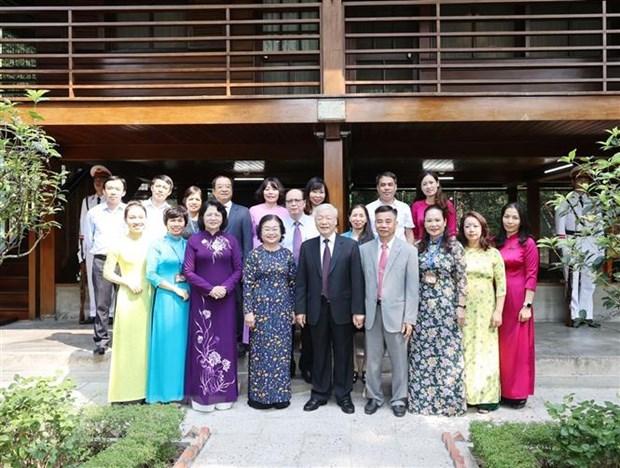 Tong Bi thu, Chu tich nuoc dang huong tuong niem Chu tich Ho Chi Minh hinh anh 2