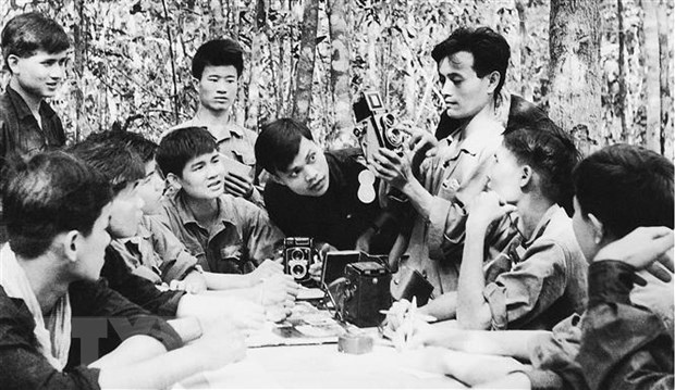 60 nam Thong tan xa Giai phong: Dau an ve ban tin dau tien hinh anh 3