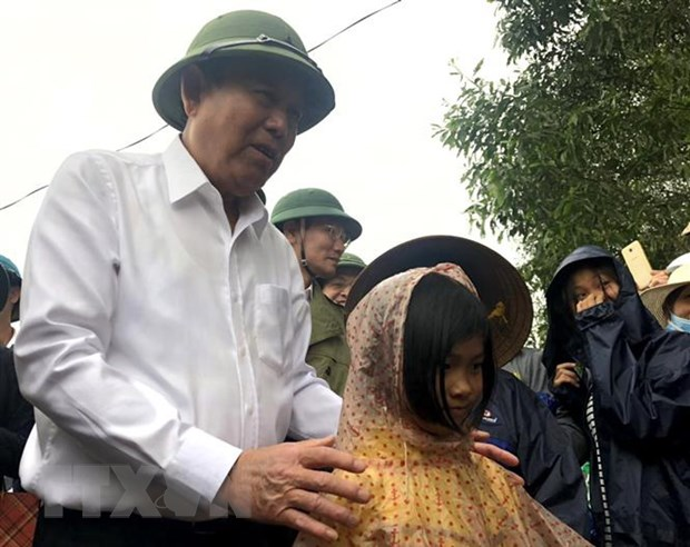 PTT Truong Hoa Binh chi dao khac phuc hau qua lu lut o Quang Tri hinh anh 1