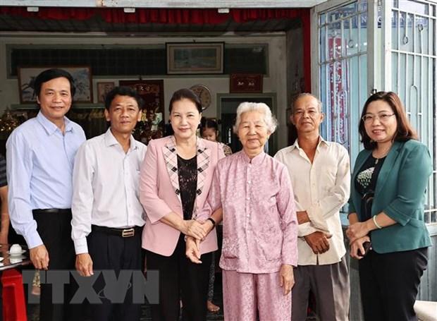 Chu tich Quoc hoi Nguyen Thi Kim Ngan tham va lam viec tai Soc Trang hinh anh 3