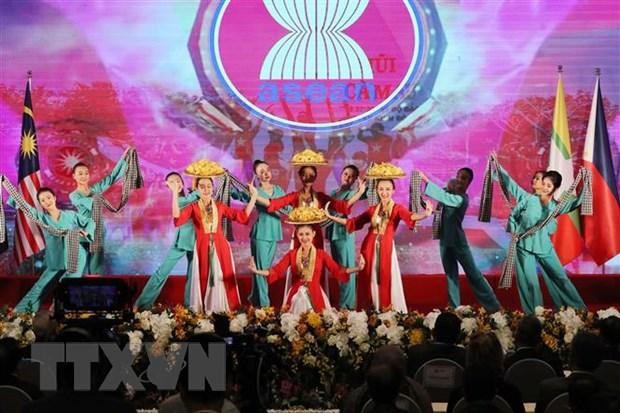 Nam Chu tich ASEAN 2020: Bao dam an ninh, an toan va trong thi hinh anh 4