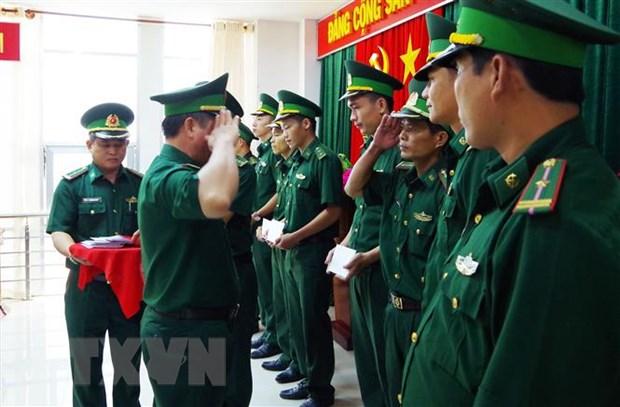 Tien Giang dieu dong luc luong tren tuyen bien gioi Long An hinh anh 1