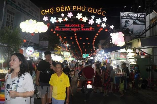 Thanh pho Phu Quoc khan truong sap xep to chuc bo may, bo tri nhan su hinh anh 2