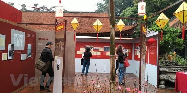 Kham pha phong vi Tet co truyen trong cung dinh Hue xua hinh anh 1