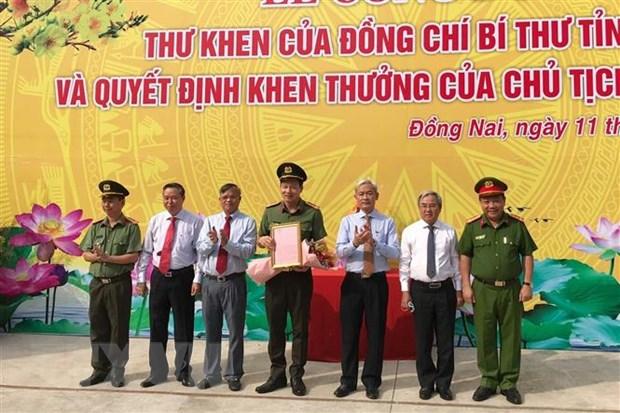 Khen thuong Cong an tinh Dong Nai triet pha 2 chuyen an quan trong hinh anh 1