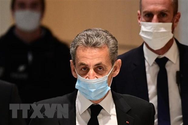 Cuu Tong thong Phap Sarkozy linh an 3 nam tu giam vi toi tham nhung hinh anh 1