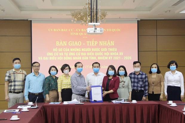Quang Ninh ban giao ho so nguoi ung cu dai bieu Quoc hoi khoa XV hinh anh 1