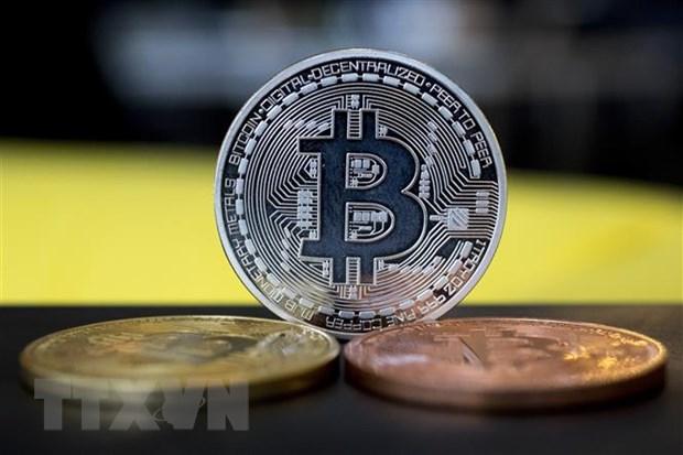 An Do xem xet cam tien dien tu, Bitcoin truot khoi muc ky luc hinh anh 1