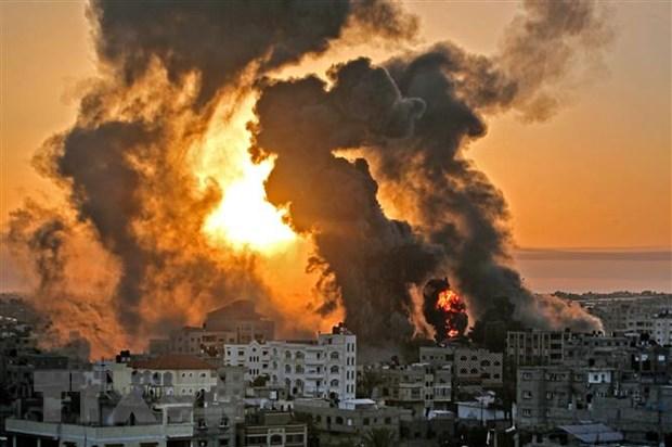 Israel bat dau trien khai luc quan va khong quan tan cong Gaza hinh anh 1