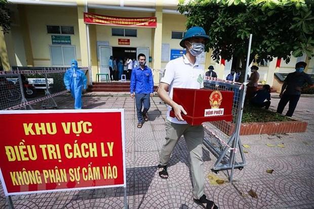 Viec bo phieu duoc tien hanh lien tuc, cu tri khong duoc di bau ho hinh anh 3