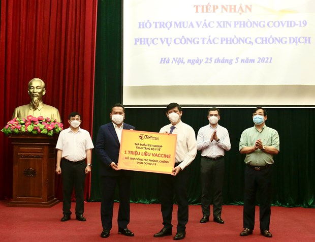 T&T Group trao tang 1 trieu lieu vaccine phong COVID-19 hinh anh 1