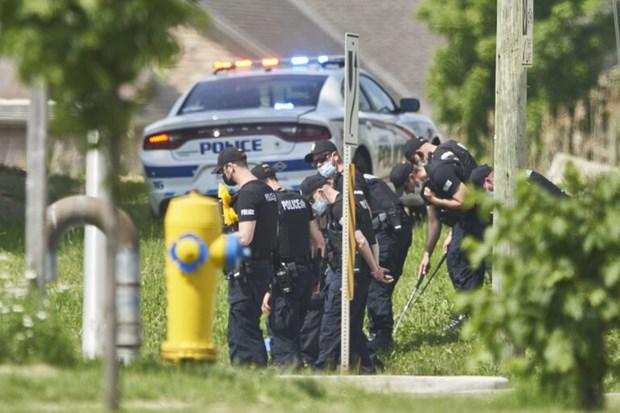 Canada: Co tinh dam xe khien 5 nguoi trong mot gia dinh thuong vong hinh anh 1