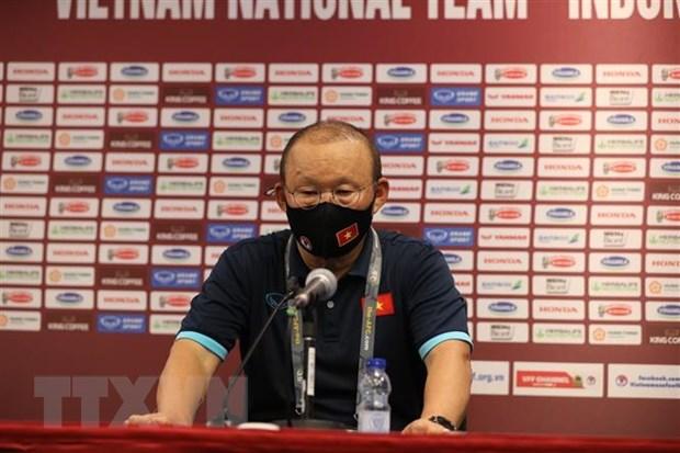 HLV Park Hang-seo: Viet Nam khong duoc 'ngu quen' tren chien thang hinh anh 1