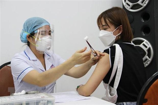 TP.HCM bo sung them 240 doi tiem chung vaccine phong COVID-19 hinh anh 1