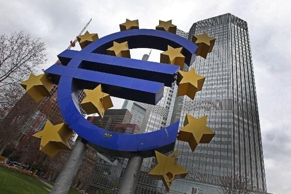 Tham hut thuong mai cua Phap gay lo ngai cho kinh te Eurozone hinh anh 1