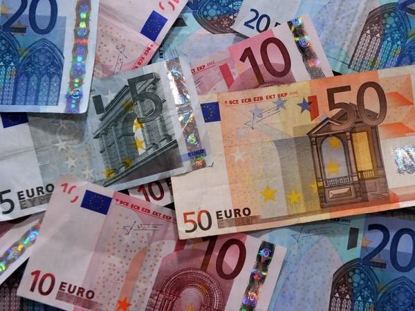 Ao sap cong bo goi cat giam thue 5 ty euro de thuc day tang truong hinh anh 1