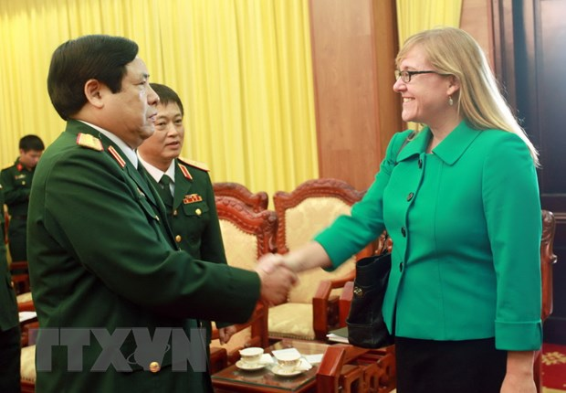 Doi thoai Chinh sach Quoc phong Viet Nam-Hoa Ky nam 2014 hinh anh 1