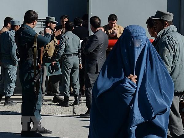 Afghanistan: Van phong canh sat truong Kabul bi danh bom hinh anh 1
