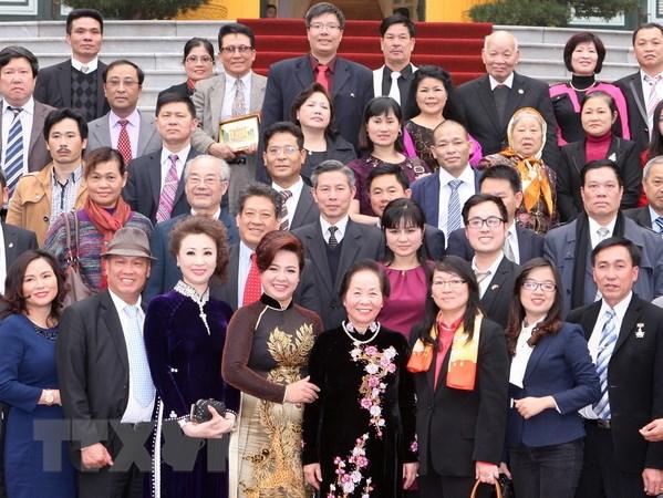 """""""Xuan Que huong 2015"""" don gan 100 kieu bao vui Tet co truyen hinh anh 1"""