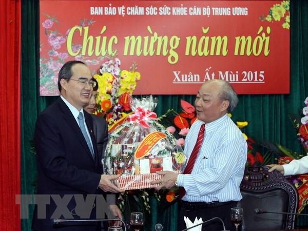 Ong Nguyen Thien Nhan chuc mung Ban Bao ve-cham soc suc khoe TW hinh anh 1