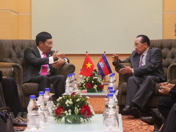 Hoat dong ben le AMM 48 cua Pho Thu tuong Pham Binh Minh hinh anh 2