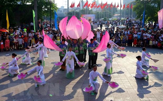 Hon 2.200 nghe sy trong va ngoai nuoc trinh dien tai Festival Hue 2016 hinh anh 3