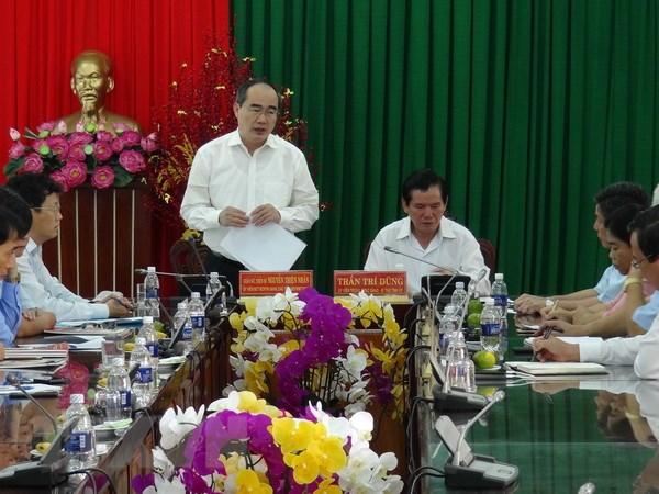 Chu tich Mat tran Nguyen Thien Nhan lam viec tai tinh Tra Vinh hinh anh 1