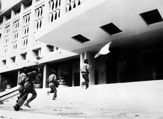 [Photo] Nhin lai nhung hinh anh hao hung cua ngay 30/4/1975 hinh anh 5