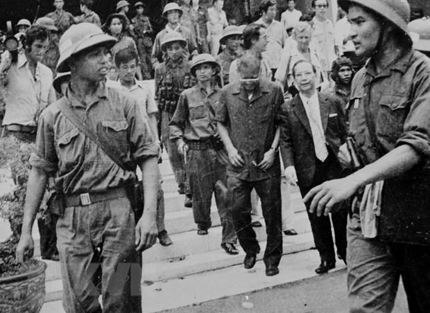 [Photo] Nhin lai nhung hinh anh hao hung cua ngay 30/4/1975 hinh anh 2