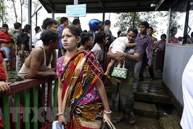 Myanmar: Gan 60.000 nguoi Hoi giao Rohingya chay sang Bangladesh hinh anh 1