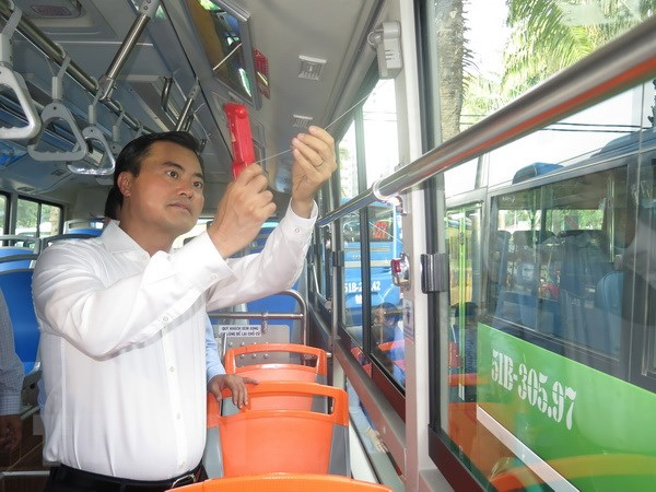 Thanh pho Ho Chi Minh khai truong ba tuyen xe buyt kieu mau hinh anh 1