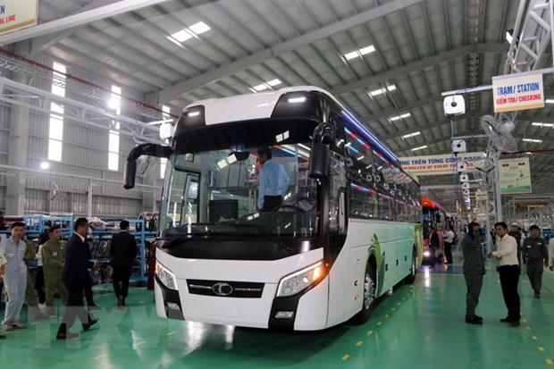 Khanh thanh Nha may xe bus dau tien mang thuong hieu Viet Nam hinh anh 2
